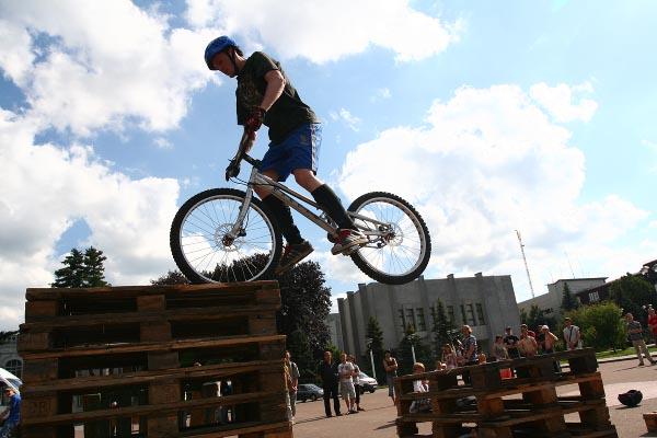велотріал, велосипед, трюк