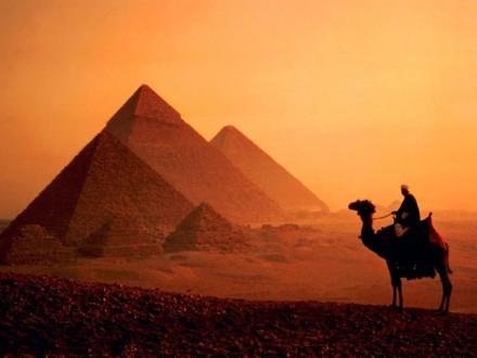 20131202_piramidi_v_gize_10912111677-680x510