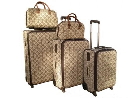 як вибрати валізу на колесах