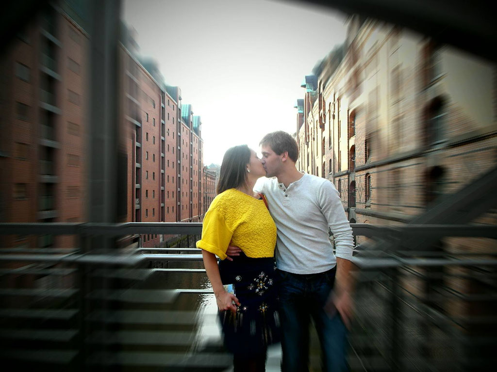Поцілунки на острові Cremon, Гамбург