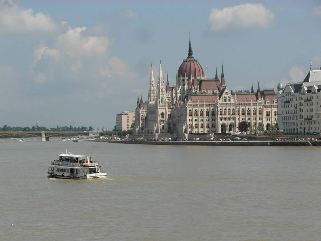 Подорож катером по Дунаю, Будапешт